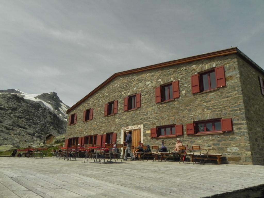 スールレイ峠の山小屋
